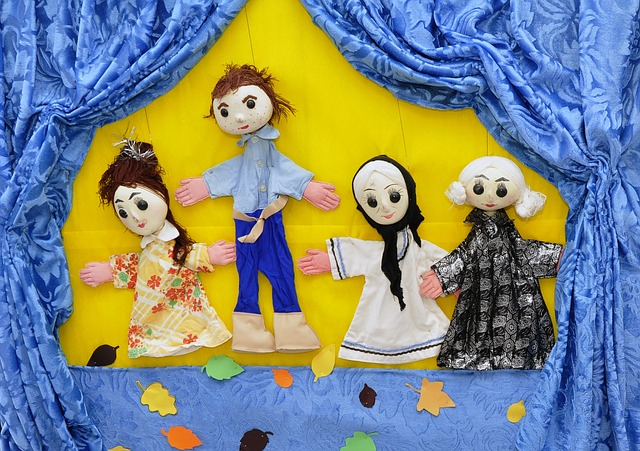 puppets-834229_640